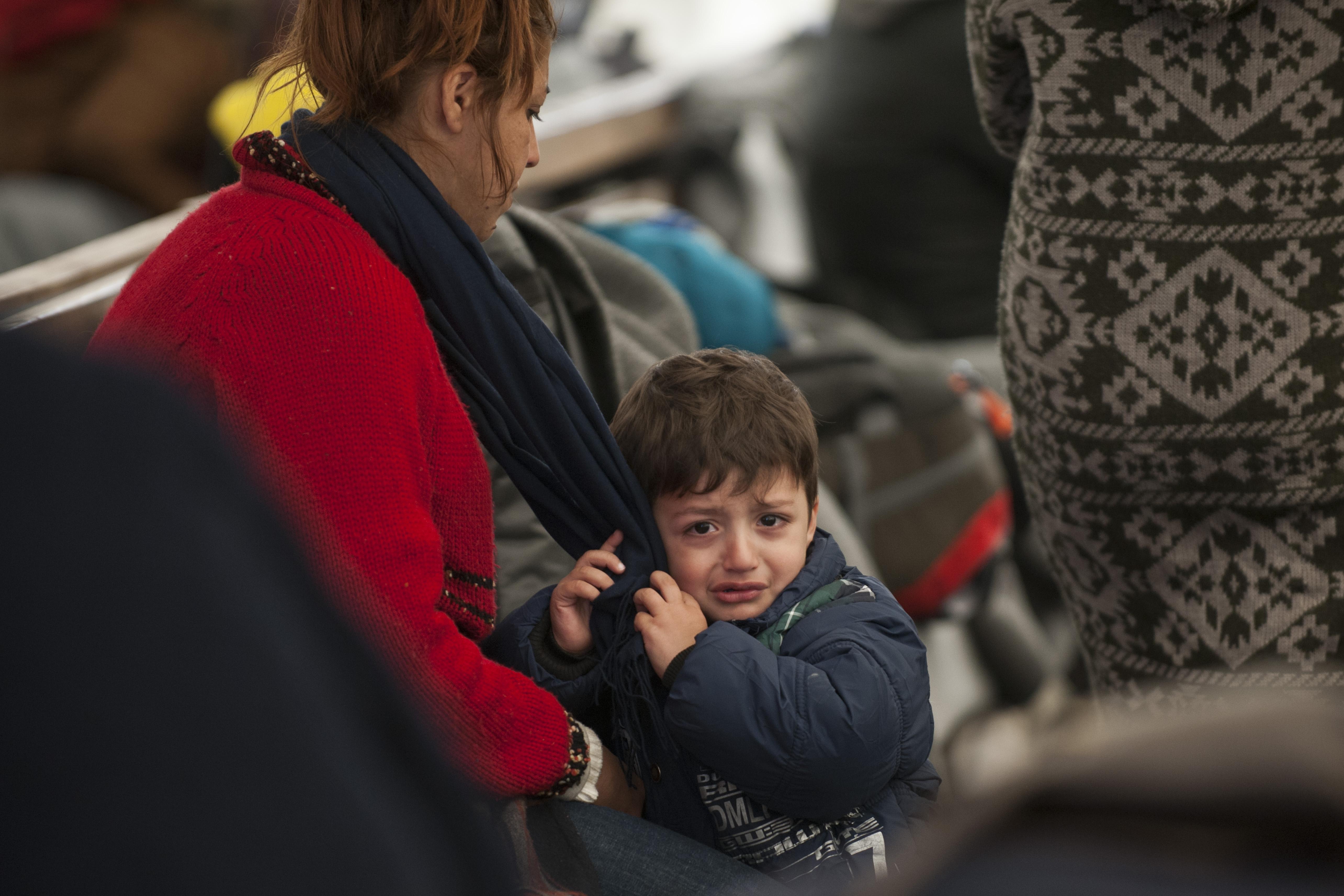 migranti v tranzitnom tábore, utečenci v Grécku