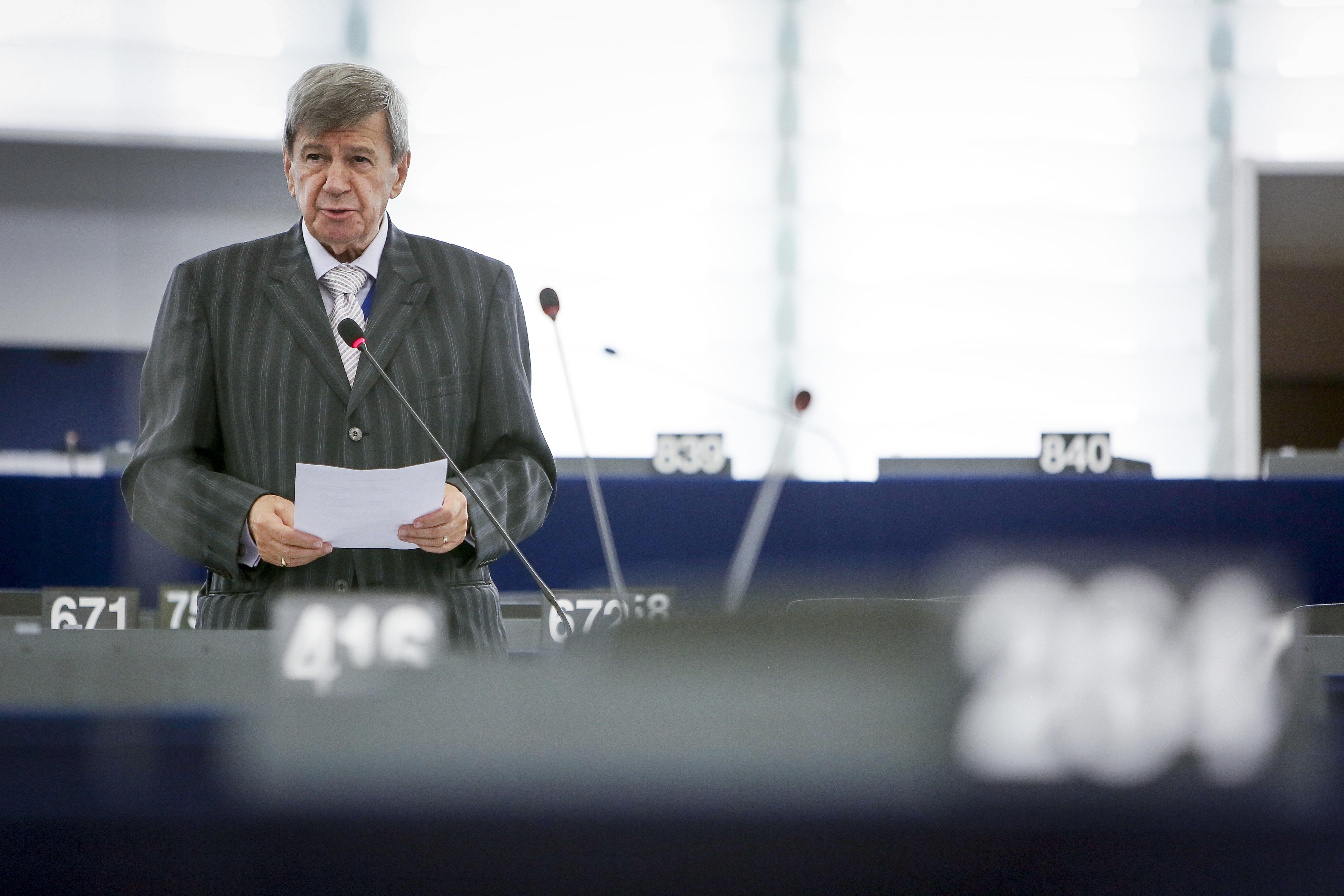 KUKAN, Eduard (EPP, SK)