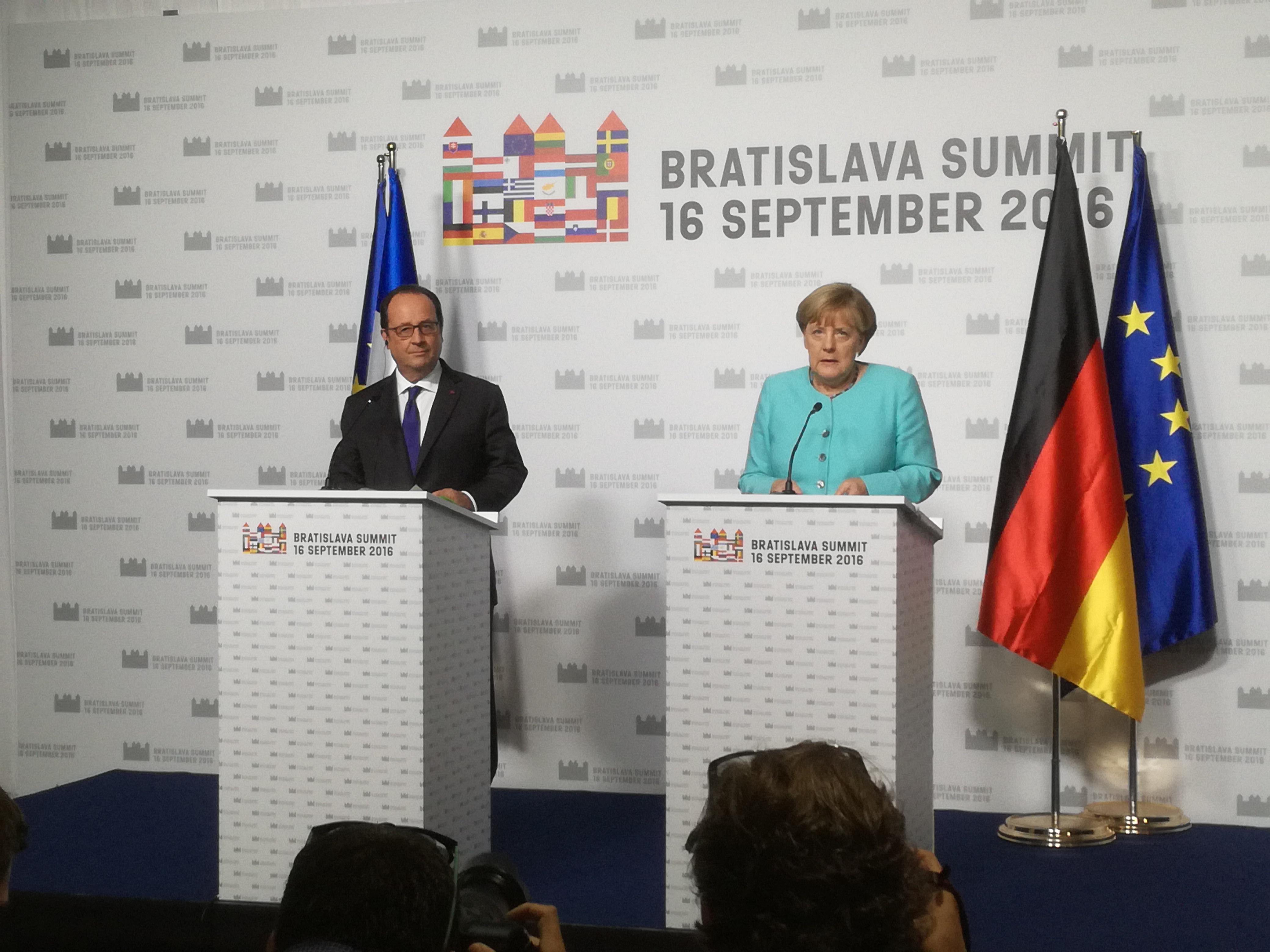 Hollande, Merkelová, bratislavský summit
