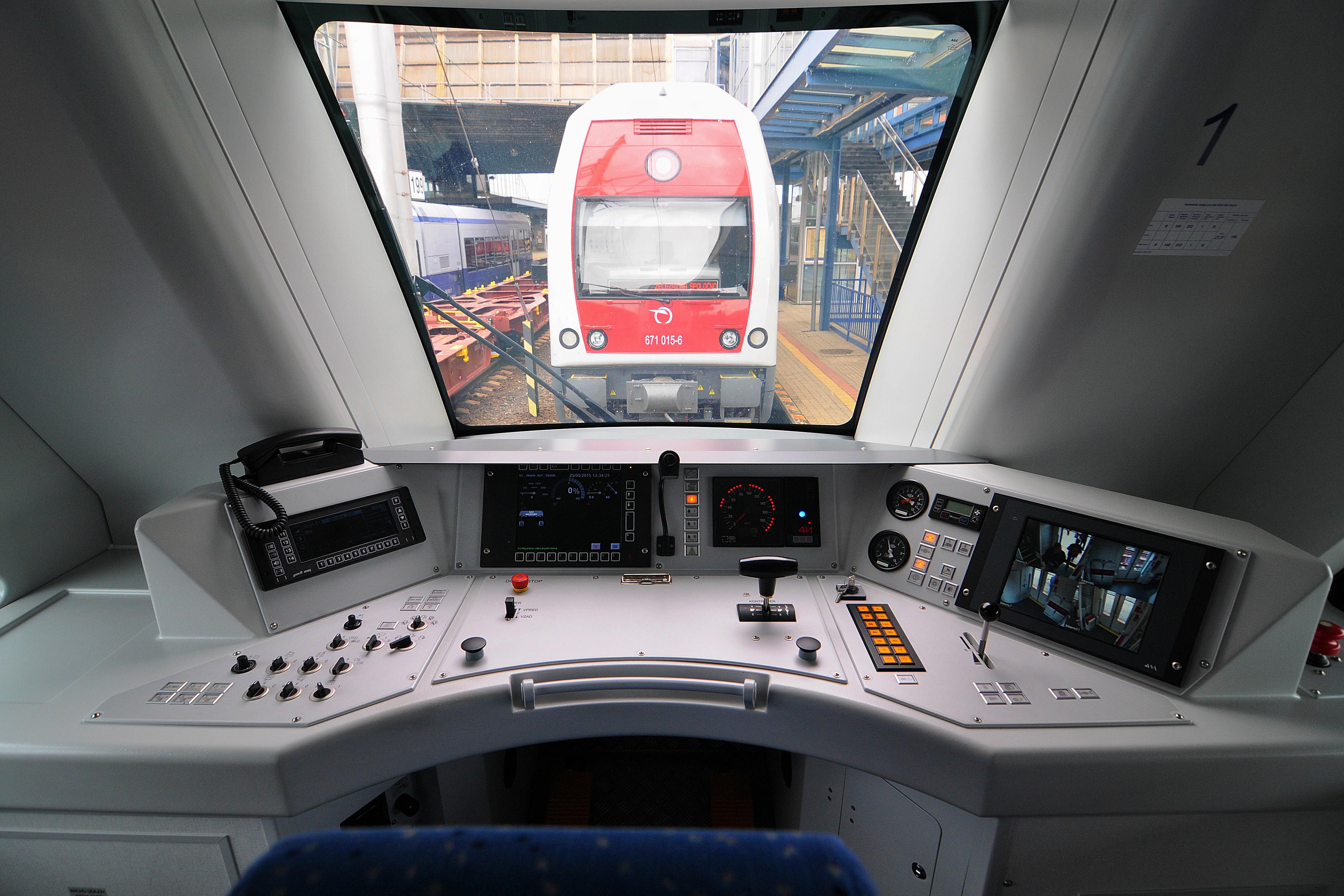 vlaky, emisie v doprave