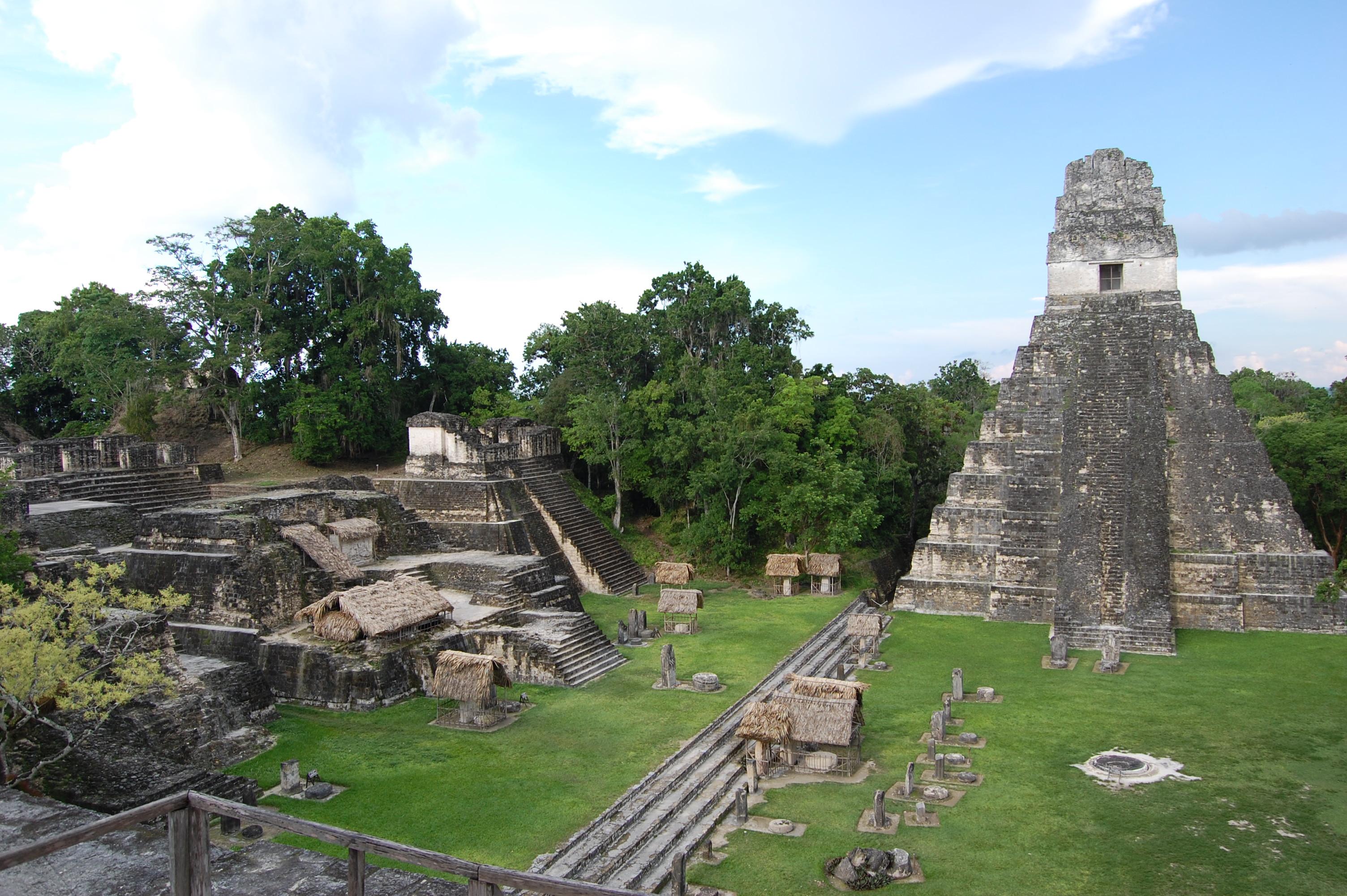 Guatemala, pyramida, Noc vyskumnikov