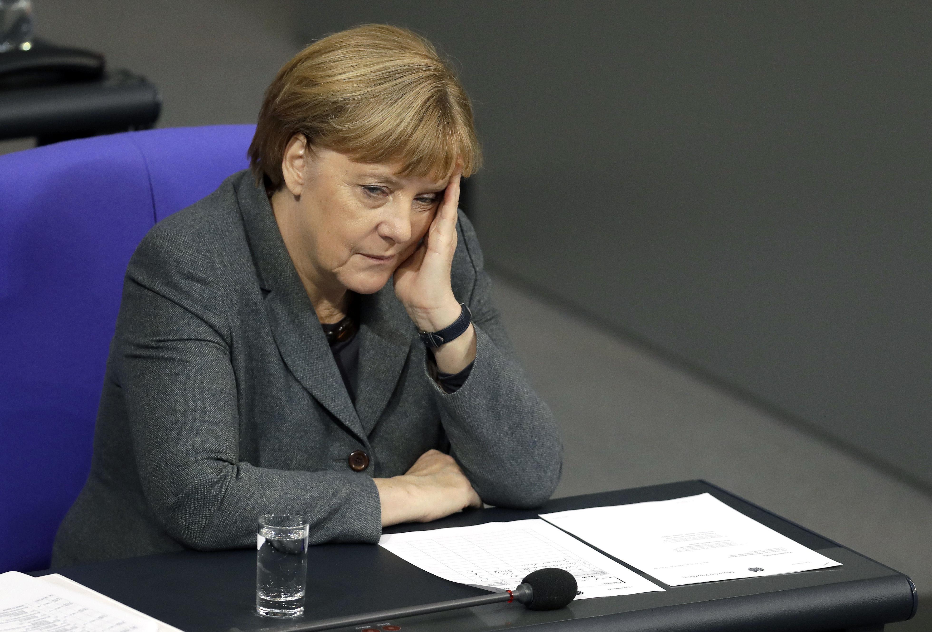 Rusko, WikiLeaks, Angela Merkel