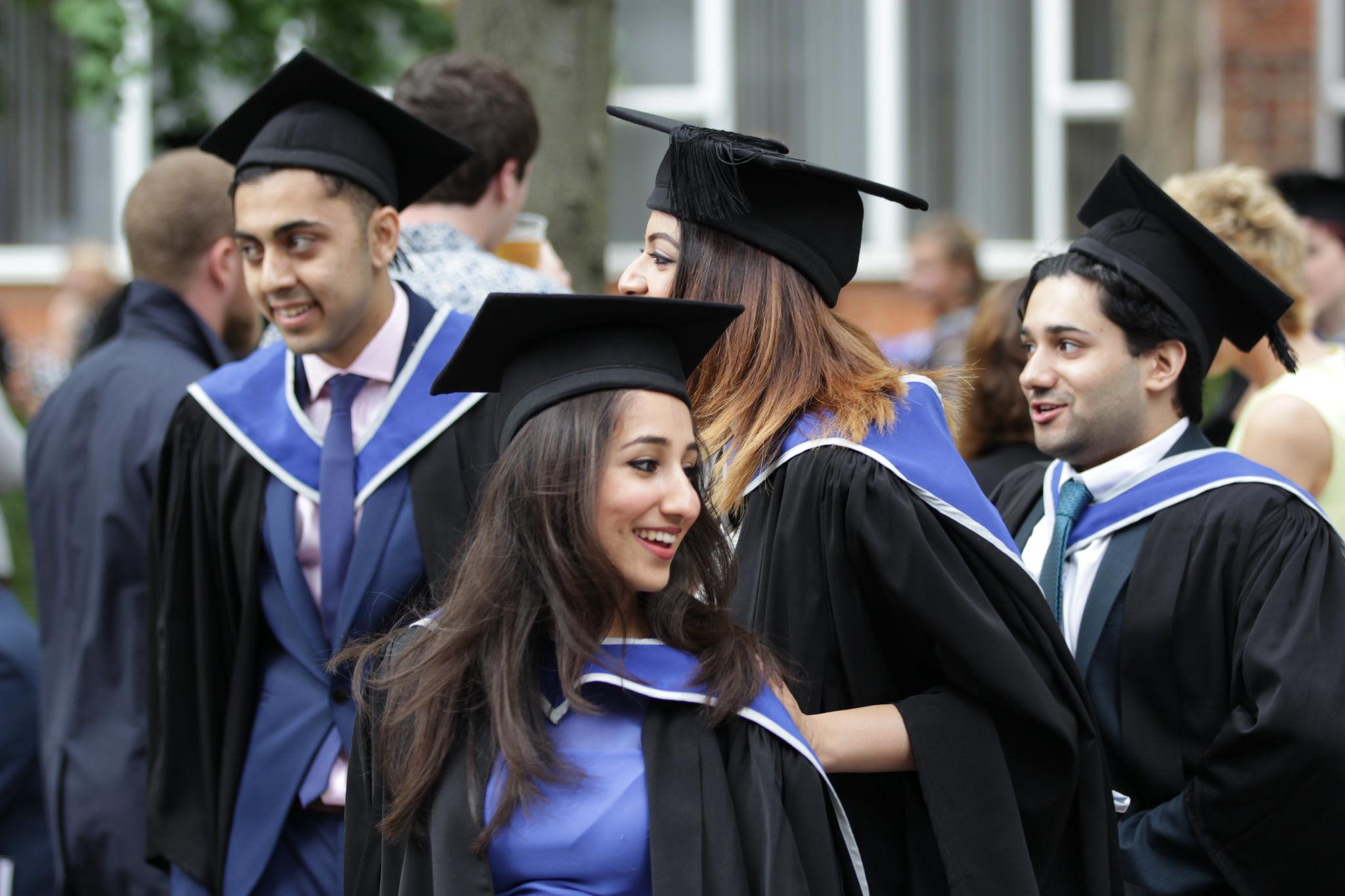 ERC, migranti, študenti