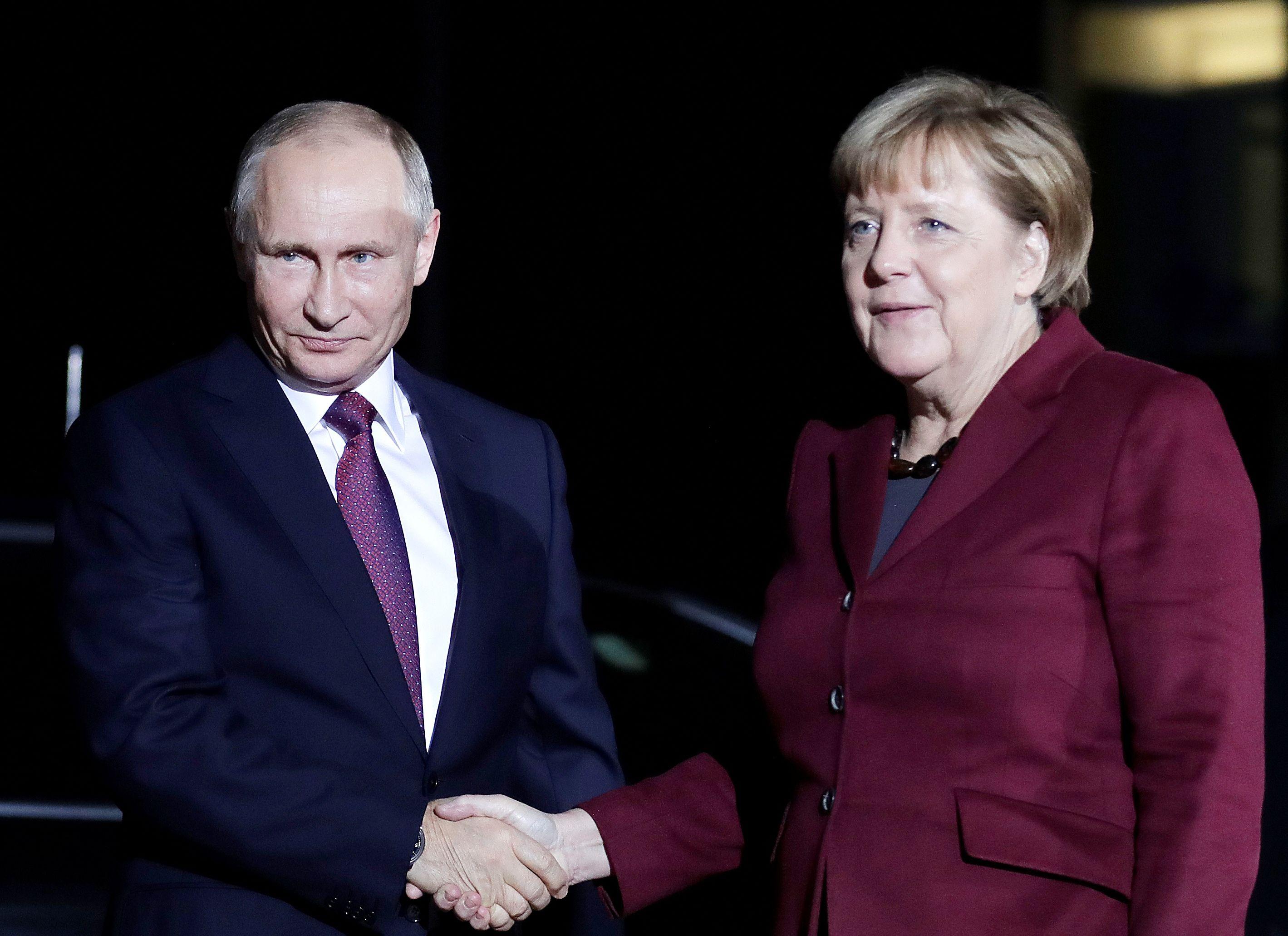 Rusko, Ukrajina, Putin, Merkel
