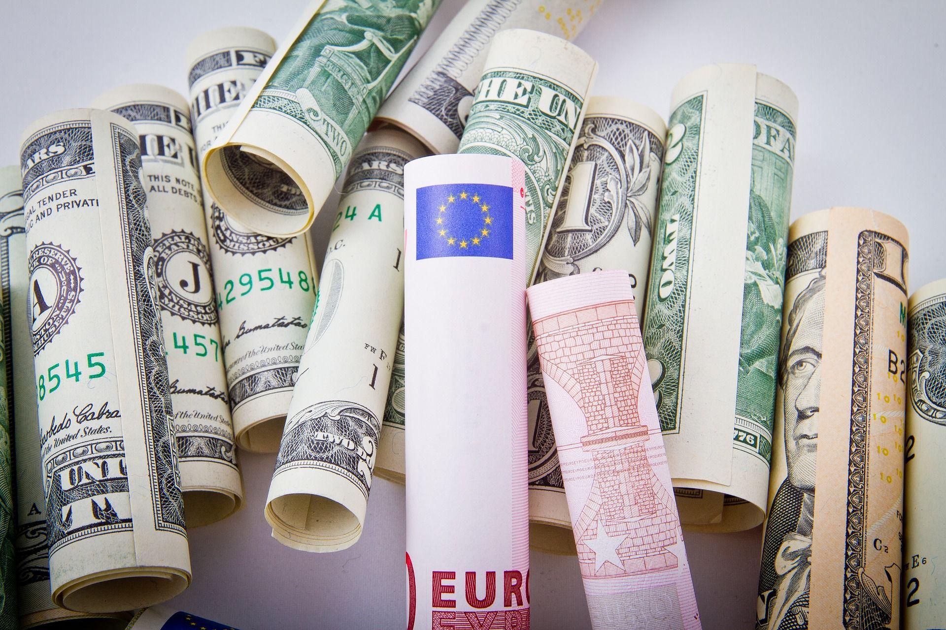 Euro Dolár
