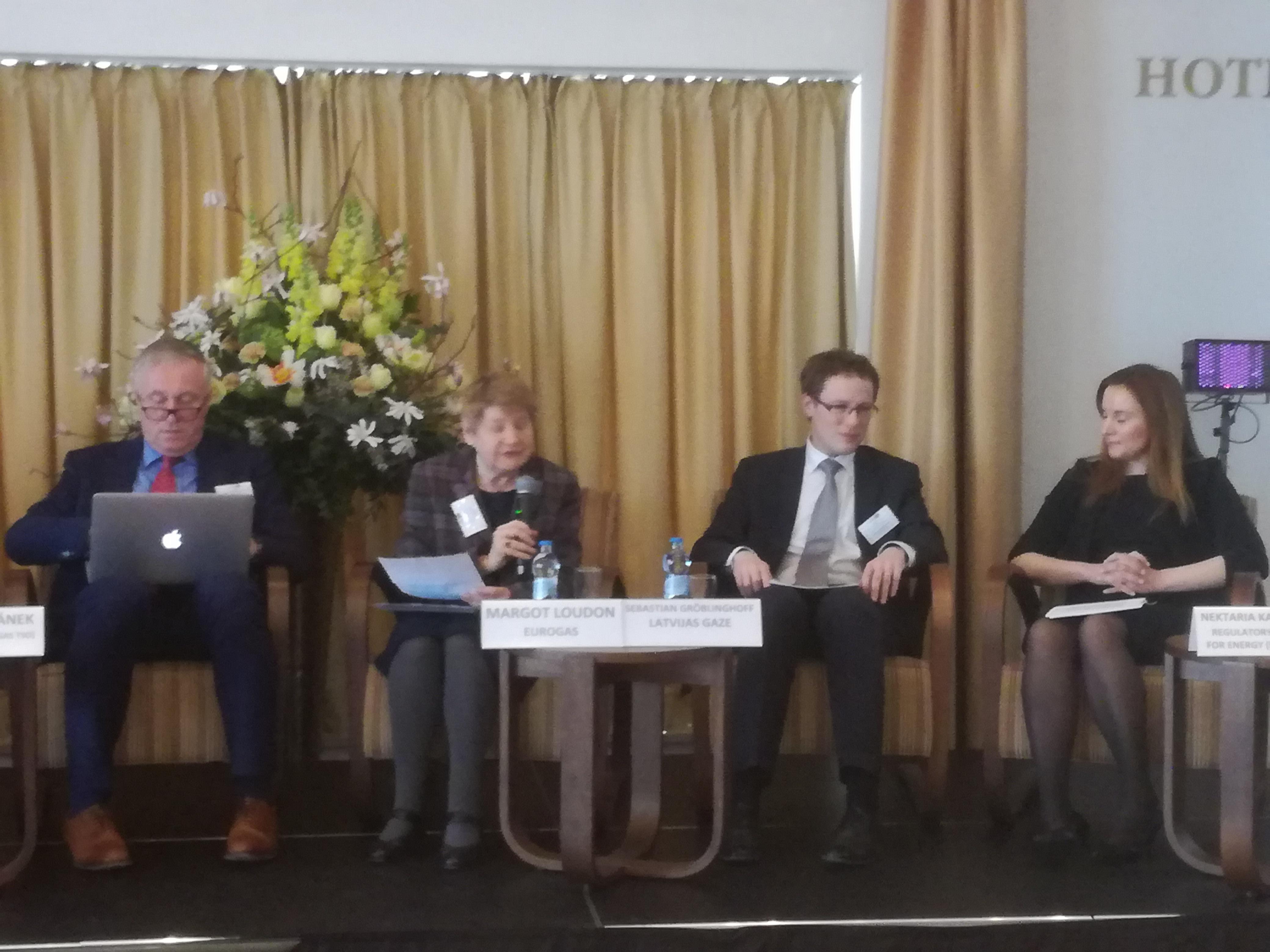 Zľava: Mirek Topolánek, Margot Loudonová, Sebastian Gröblinghoff, Nektaria Karakatsani