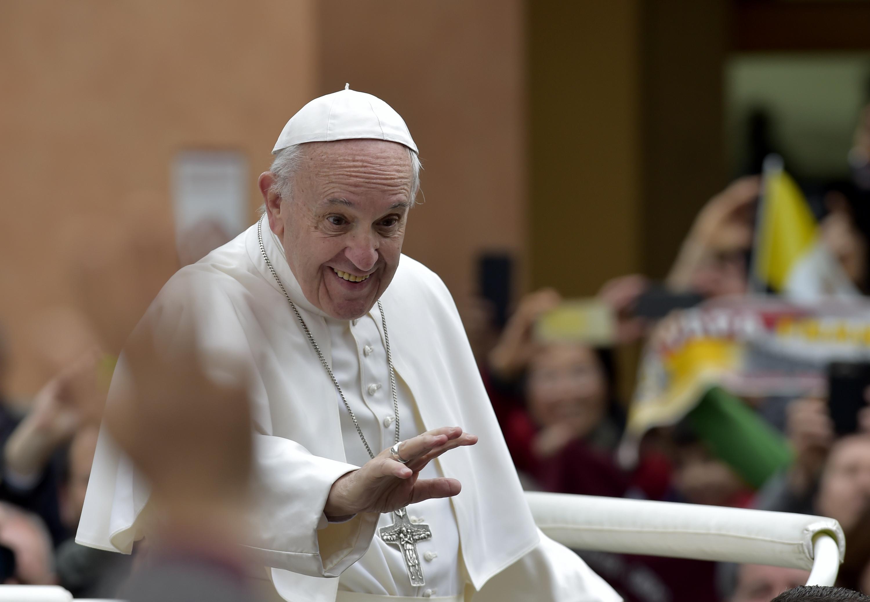 utečenci pápež