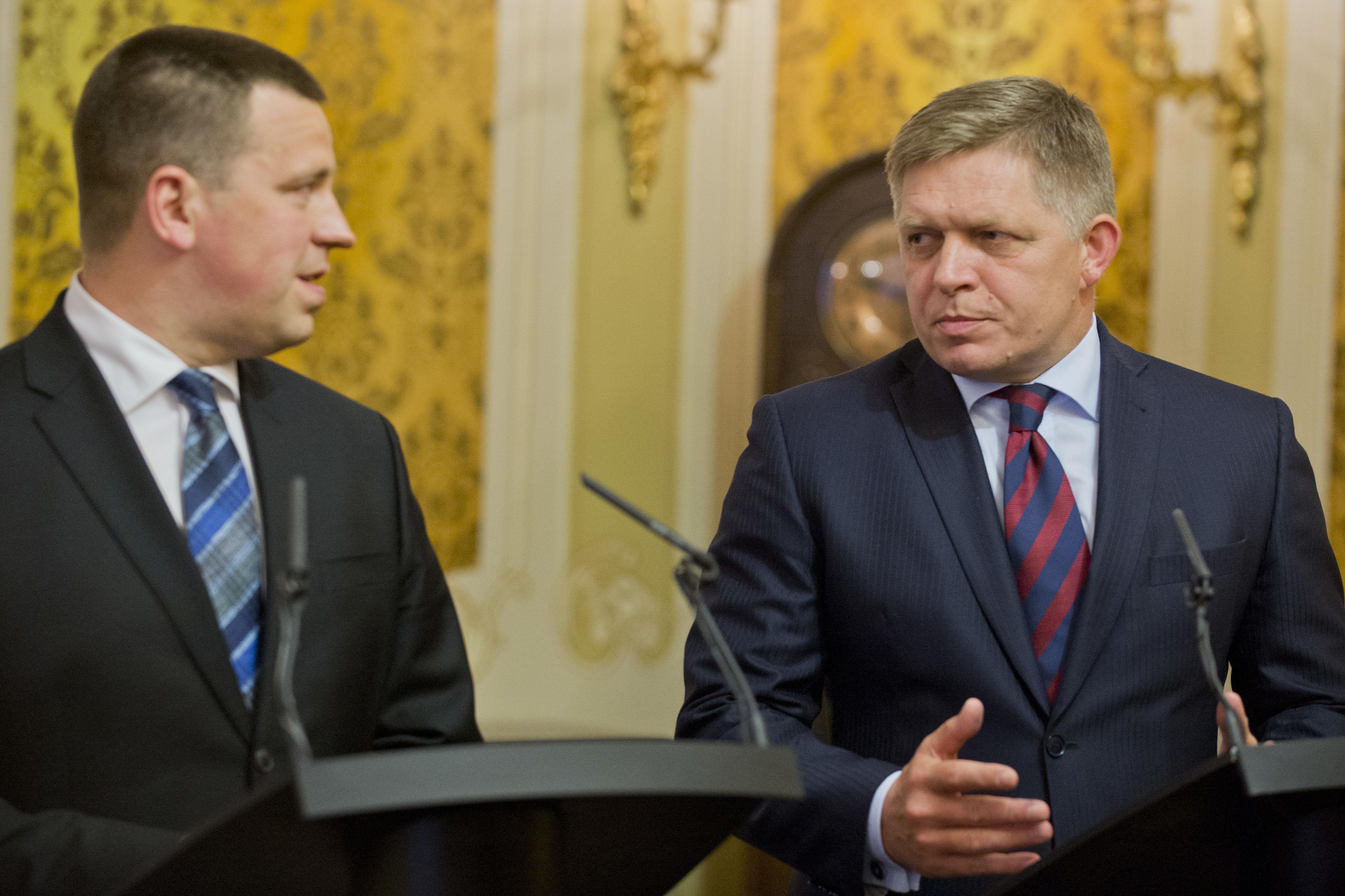 Jüri Ratas (vľavo) a Robert Fico