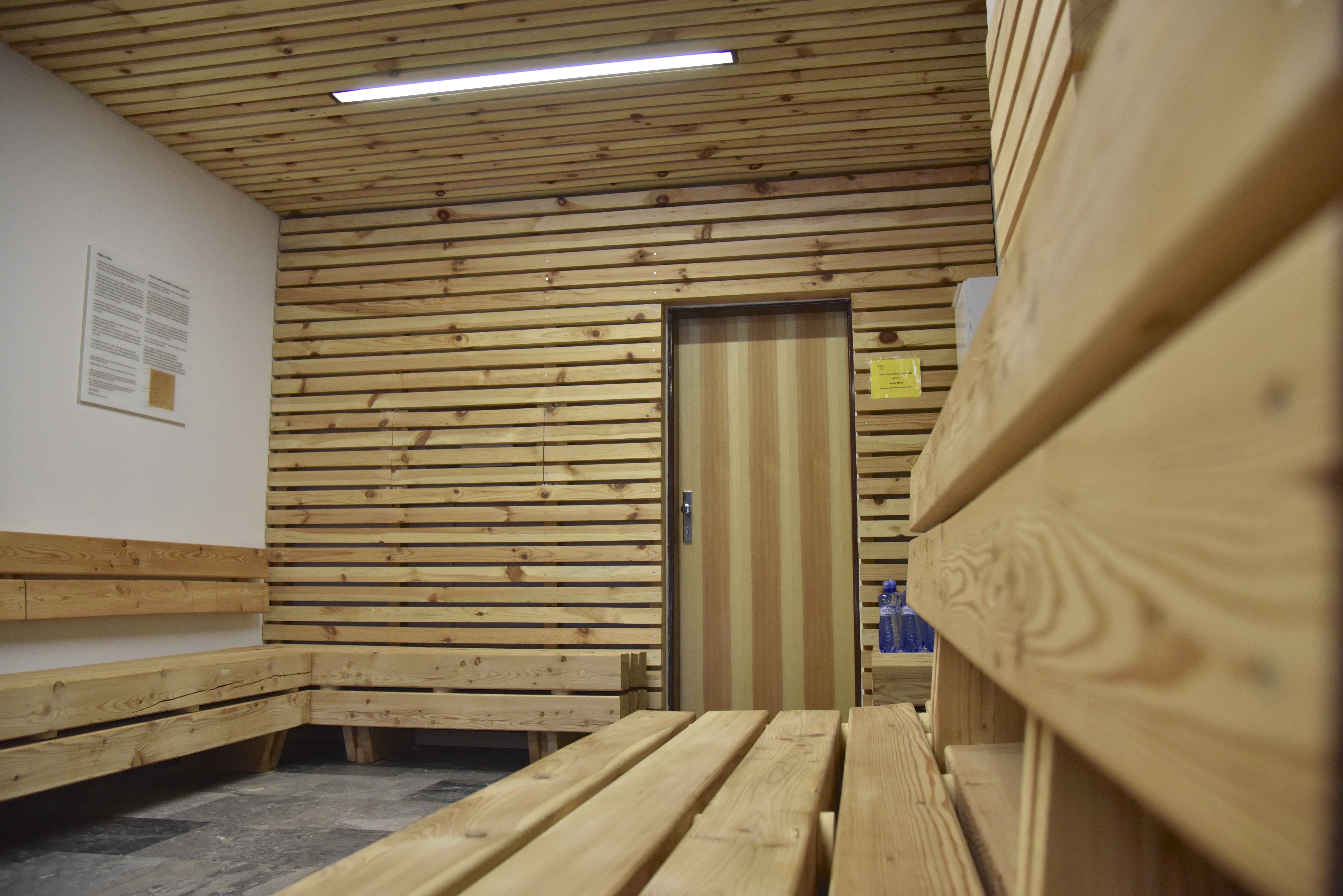 dreveny nabytok