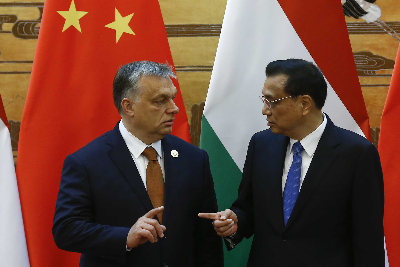 čínsky premiér